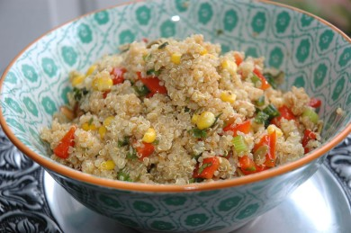 Рецепт Салат из киноа с кукурузой и красным перцем
