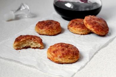 Рецепт Сырные бисквиты с беконом
