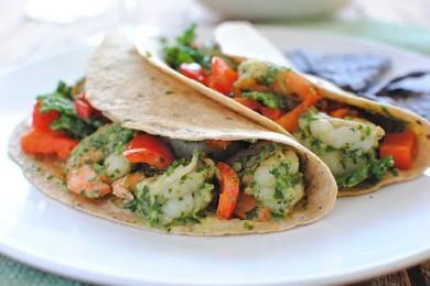 Рецепт Тако с креветками и капустой