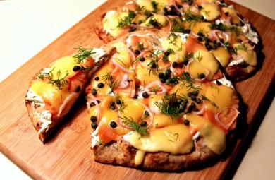 Рецепт Пицца с копченой лососиной