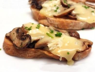Рецепт Бутерброды с грибами и сыром