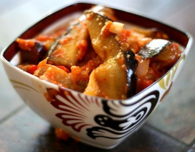 Рецепт Баклажаны под овощным соусом