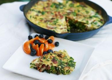 Рецепт Фриттата с беконом, грибами и брокколи