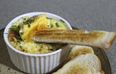 Рецепт Помидоры, сыр и яйца запеченные