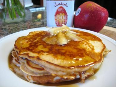Рецепт Яблочные блины с миндальным маслом