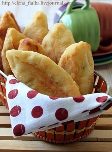 Рецепт Творожные пирожки с курицей и сыром