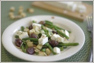 Рецепт Салат с зеленой фасолью и сыром фета