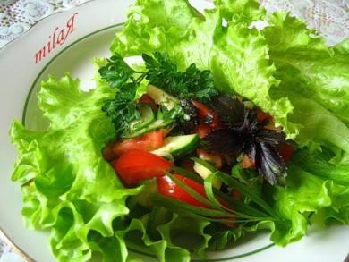 Рецепт Салат с авокадо, помидорами и огурцами