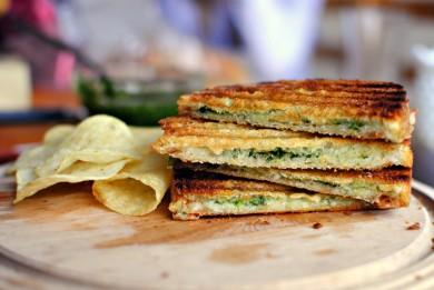 Рецепт Бутерброд с песто из свежих трав