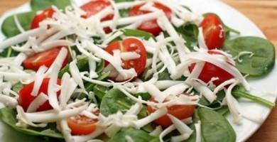 Рецепт Салат из помидоров с рукколой
