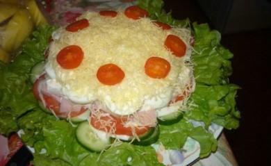 Рецепт Салат овощной с яйцом и ветчиной