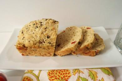 Рецепт Хлеб Каприз с сыром и вялеными помидорами