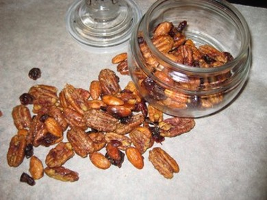 Рецепт Пряные орешки с клюквой