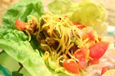 Рецепт Чизбургер из латука с гренками, мясом и овощами