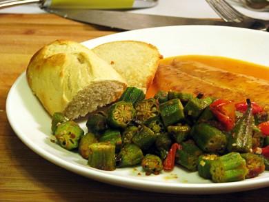 Рецепт Тушенная бамия с помидорами