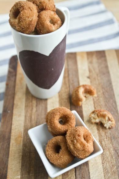 Рецепт Банановые пончики с орешками