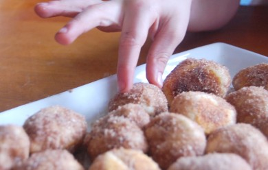 Рецепт Домашние пышки с корицей и сахаром