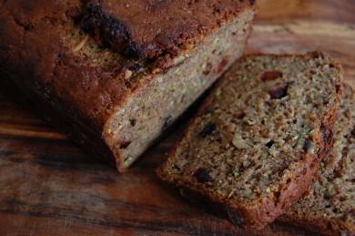 Рецепт Хлеб с цуккини, вишней и орехами