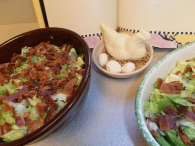 Рецепт Салат с беконом, сыром и латуком