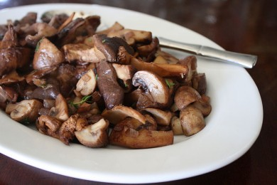 Рецепт Жареные грибы в красном вине