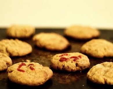 Рецепт Арахисовое печенье с соусом срирача