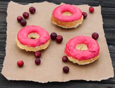Рецепт Пончики с клюквенной глазурью