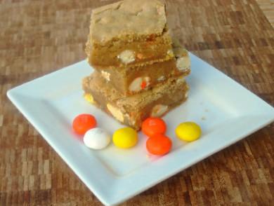 Рецепт Блонди с драже из белого шоколада