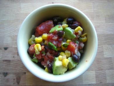 Рецепт Салат с фасолью и авокадо