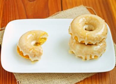 Рецепт Пончики с медовой глазурью