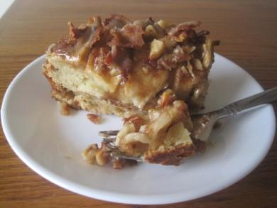 Рецепт Яблочный пирог с орехами и беконом