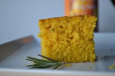 Рецепт Кукурузный хлеб с тыквой и розмарином