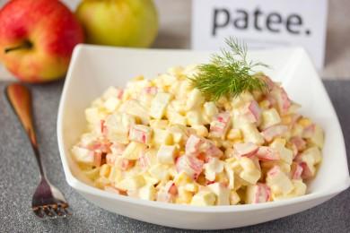 Рецепт Салат с крабовыми палочками, сладким перцем и яблоком