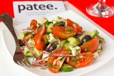 Рецепт Овощной салат с брынзой, маслинами и семенами подсолнечника