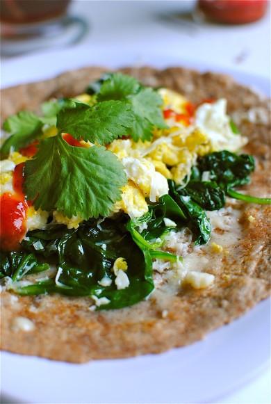 Рецепт Буррито с яйцом и шпинатом