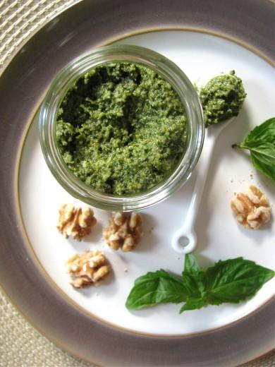 Рецепт Песто с грецкими орехами