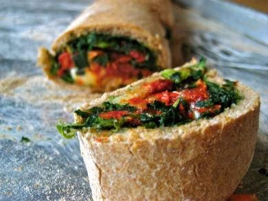 Рецепт Стромболи с помидорами и шпинатом