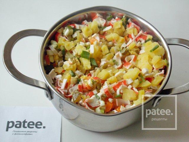 Салат с крабовых палочек и картошки
