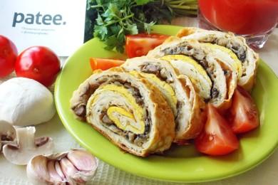 Рецепт Запеченный рулет из лаваша с мясом и грибами