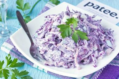 Рецепт Салат с краснокочанной капустой и колбасой