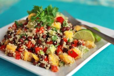 Рецепт Салат из киноа с фасолью и авокадо