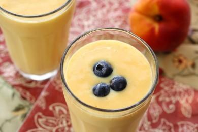 Рецепт Персиковый смузи с манго