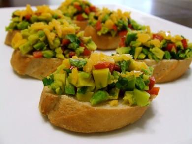 Рецепт Брускетта с авокадо