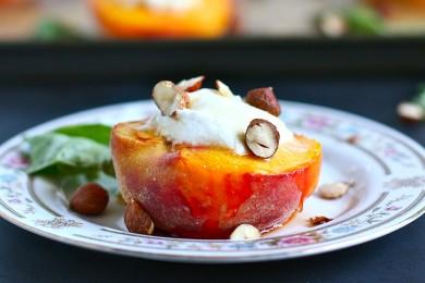 Рецепт Персики с сыром и орехами