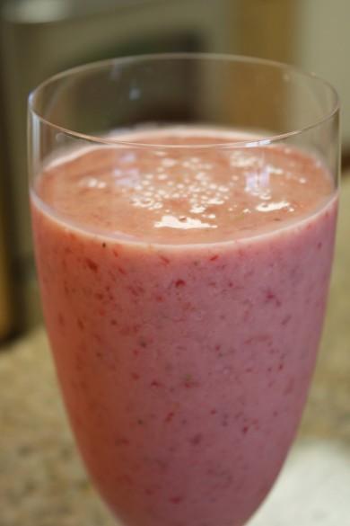 Рецепт Клубнично-персиковое смузи