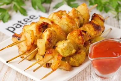 Рецепт Быстрые куриные шашлычки с кусочками ананаса