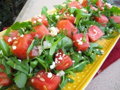 Рецепт Салат из рукколы, арбуза и феты