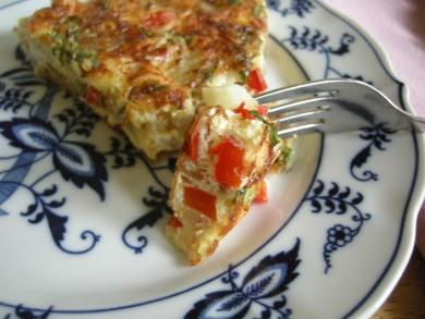 Рецепт Фриттата с картофелем, базиликом и беконом
