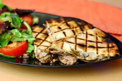 Рецепт Кесадилья с сыром и стейком