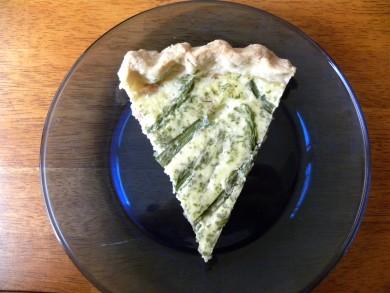 Рецепт Киш с беконом, спаржей и сыром