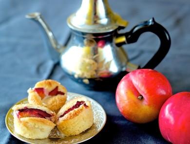Рецепт Пирожные с красной сливой